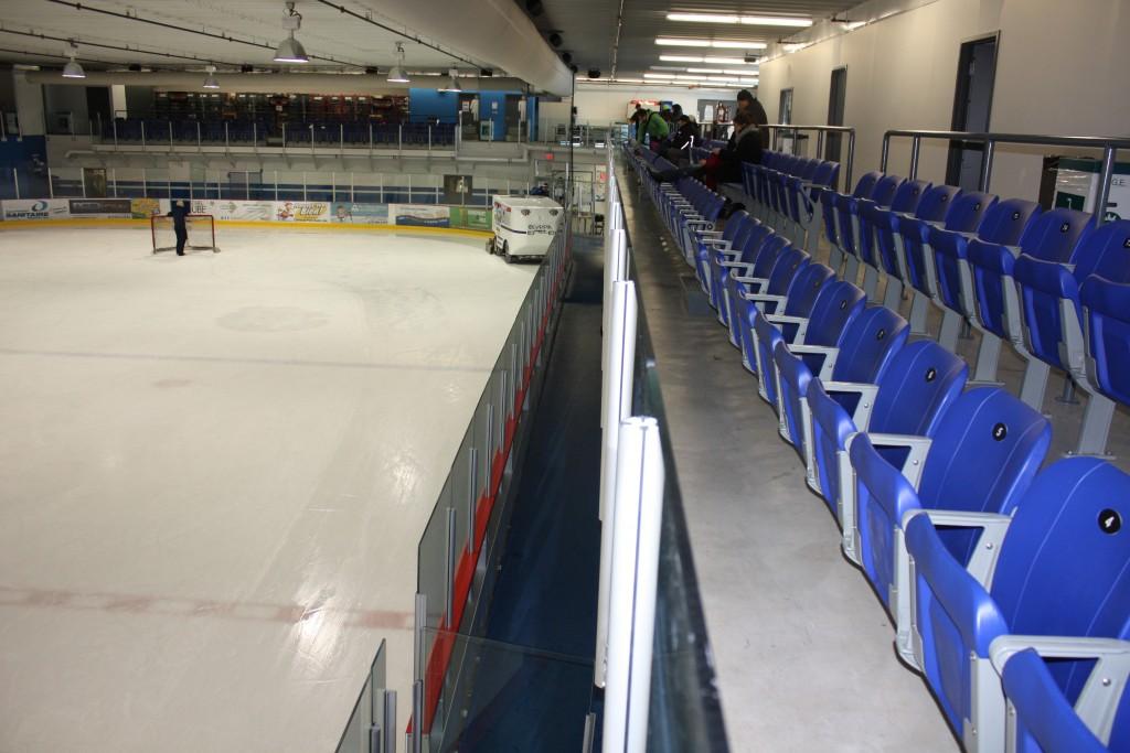 Centre richard lebeau honco b timents d 39 acier for Interieur bobsleigh