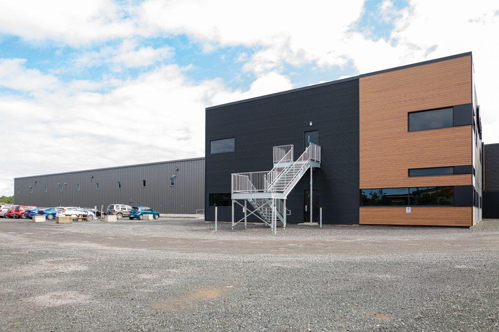 usine-entreprise-adaptee-cetal-construction-honco-batiments-acier